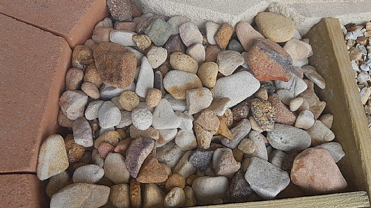 40---60mm-Tumbled-Sandstone